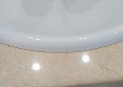 Pulido y vitrificado encimera marmol  baño.