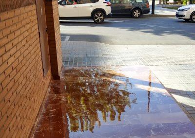 Pulido y vitrificado suelo marmol entrada calle de una comunidad